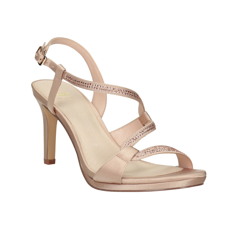 41837f7bc625 Dámske sandále s kamienkami