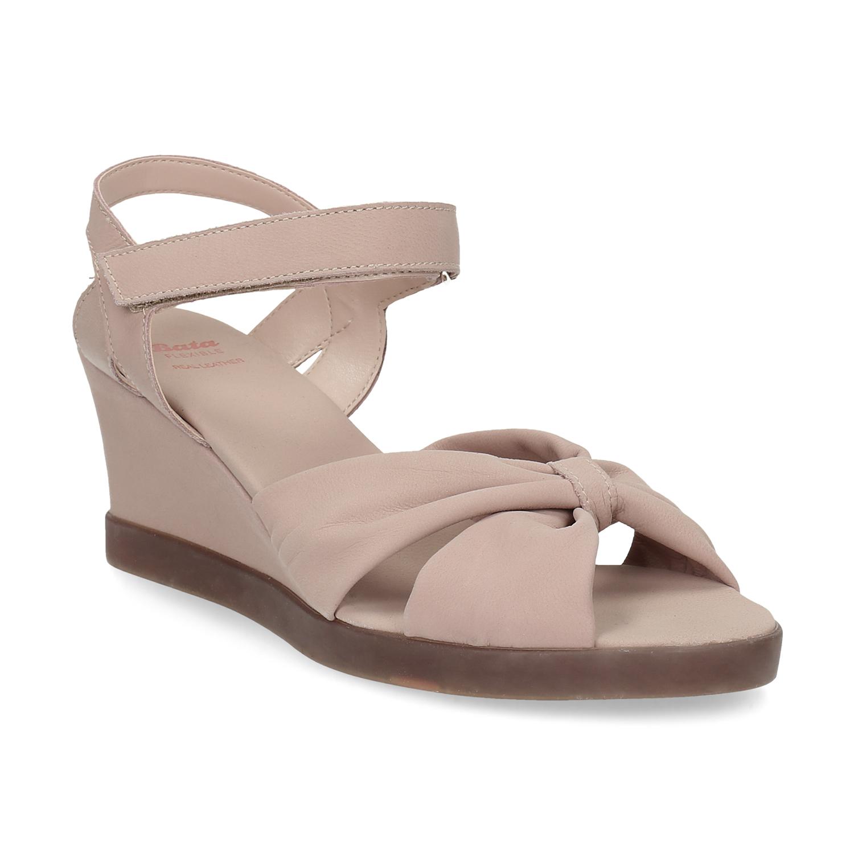 Béžové kožené sandály na klínku