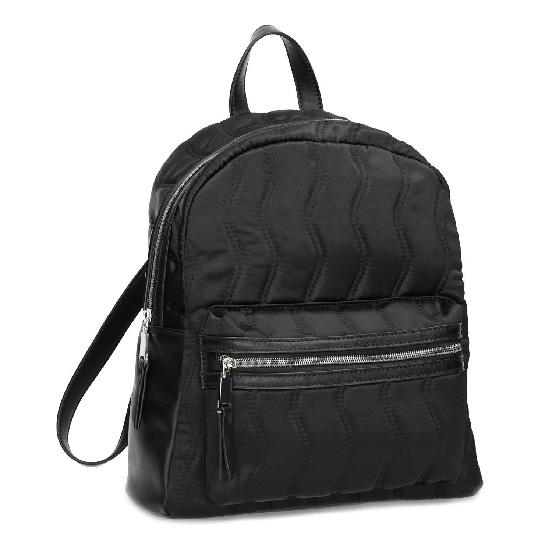 Černý dámský batoh s prošíváním