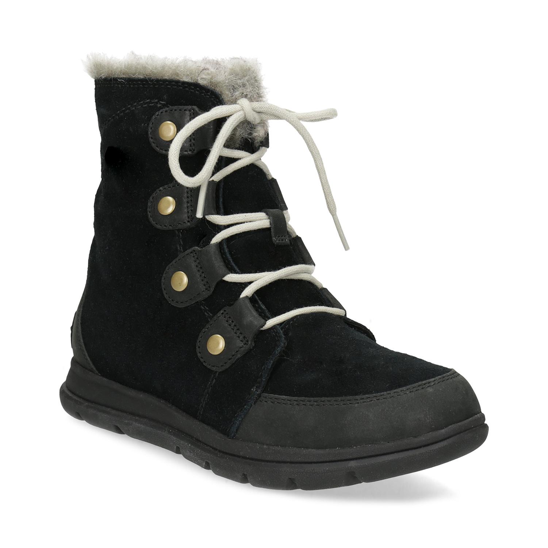 50c78f2bec5 Dámská kožená zimní obuv s kovovými cvoky