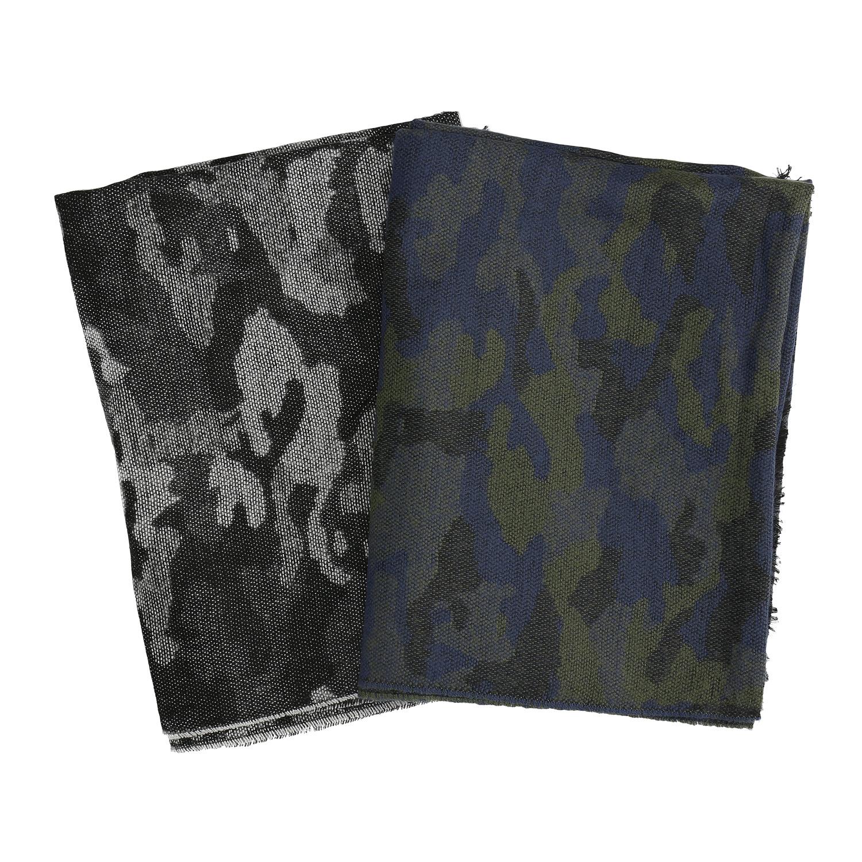 Šátek s maskáčovým vzorem