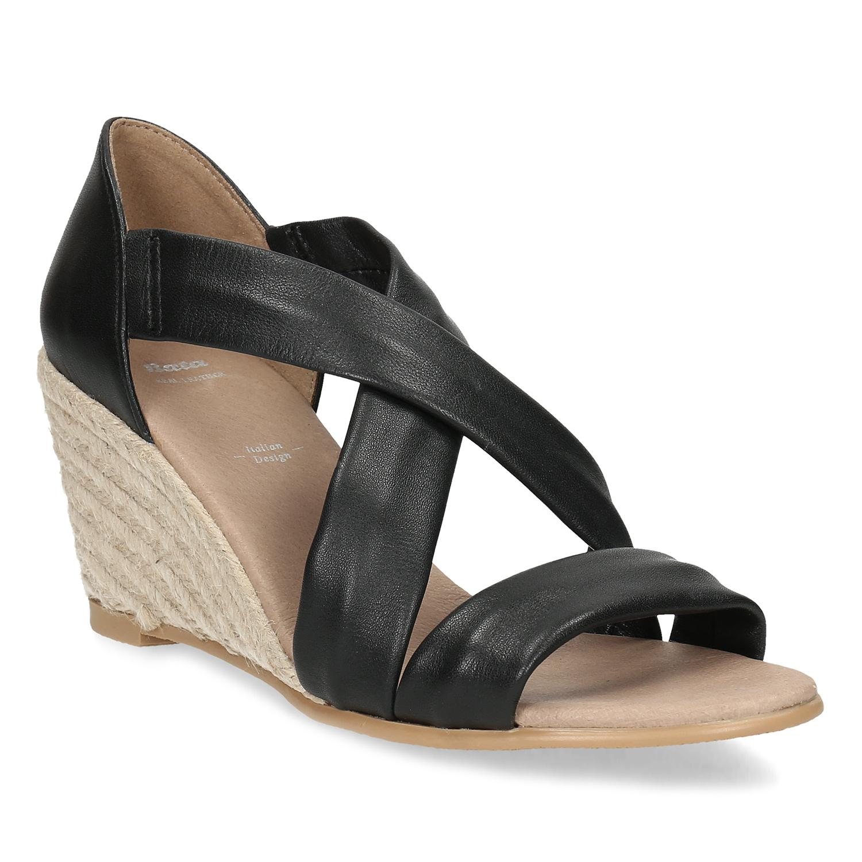 Kožené čierne sandále na kline