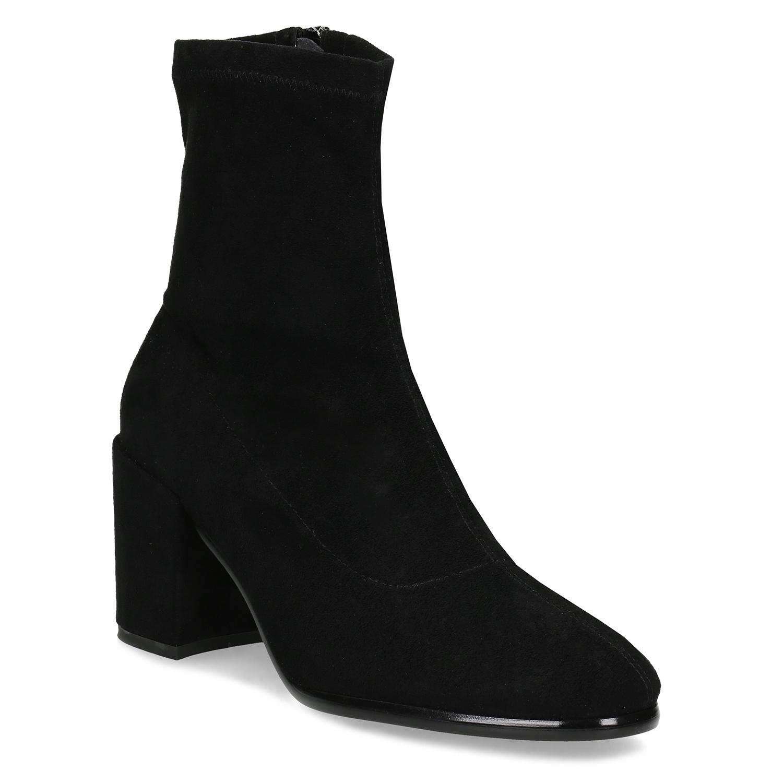 Ponožkové čierne čižmy na stabilnom podpätku