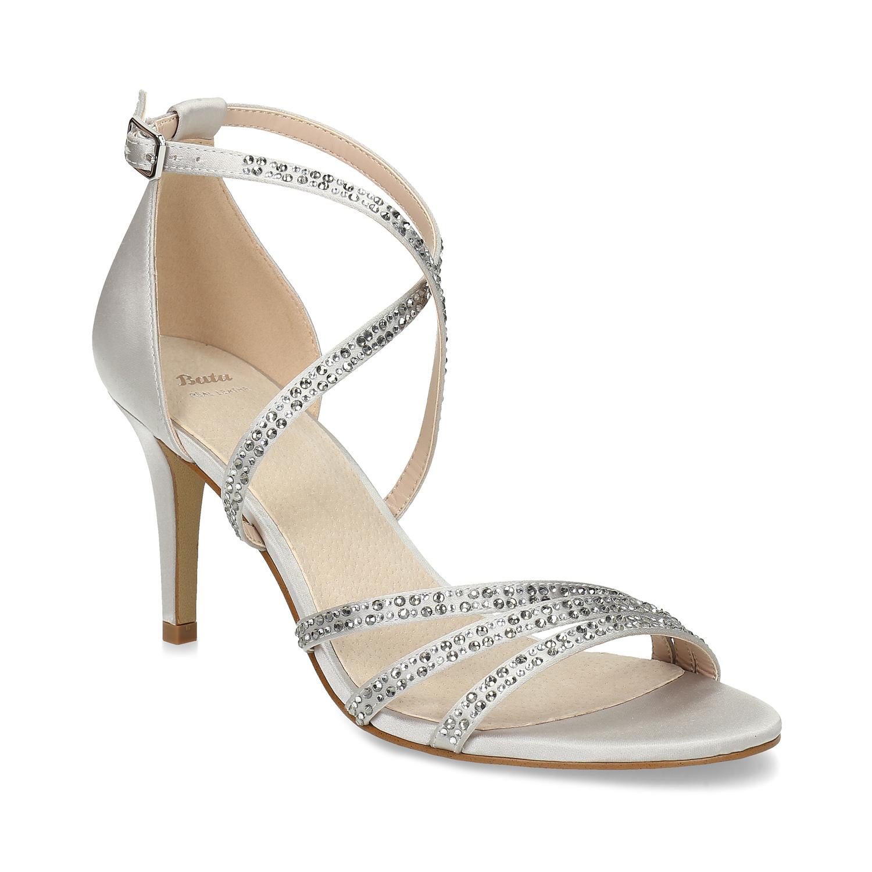 Strieborné sandále na podpätku s kamienkami