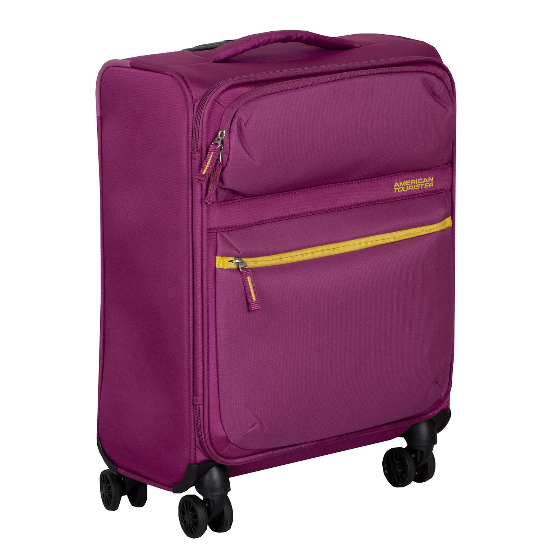 Fialový cestovný kufor na kolieskach